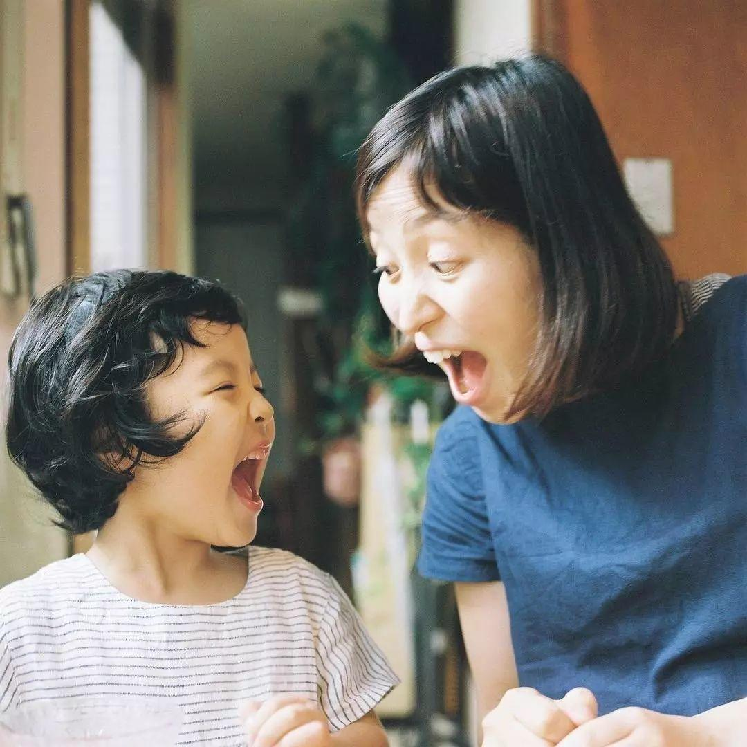 日本摄影师数十年如一日记录家人,一家五口的幸福生活,感动万千网友!