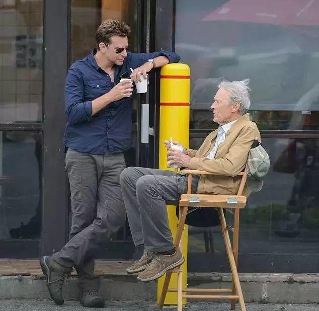 """90岁还不退休,《廊桥遗梦》那个帅男人用""""骡子""""形容自己的人生"""