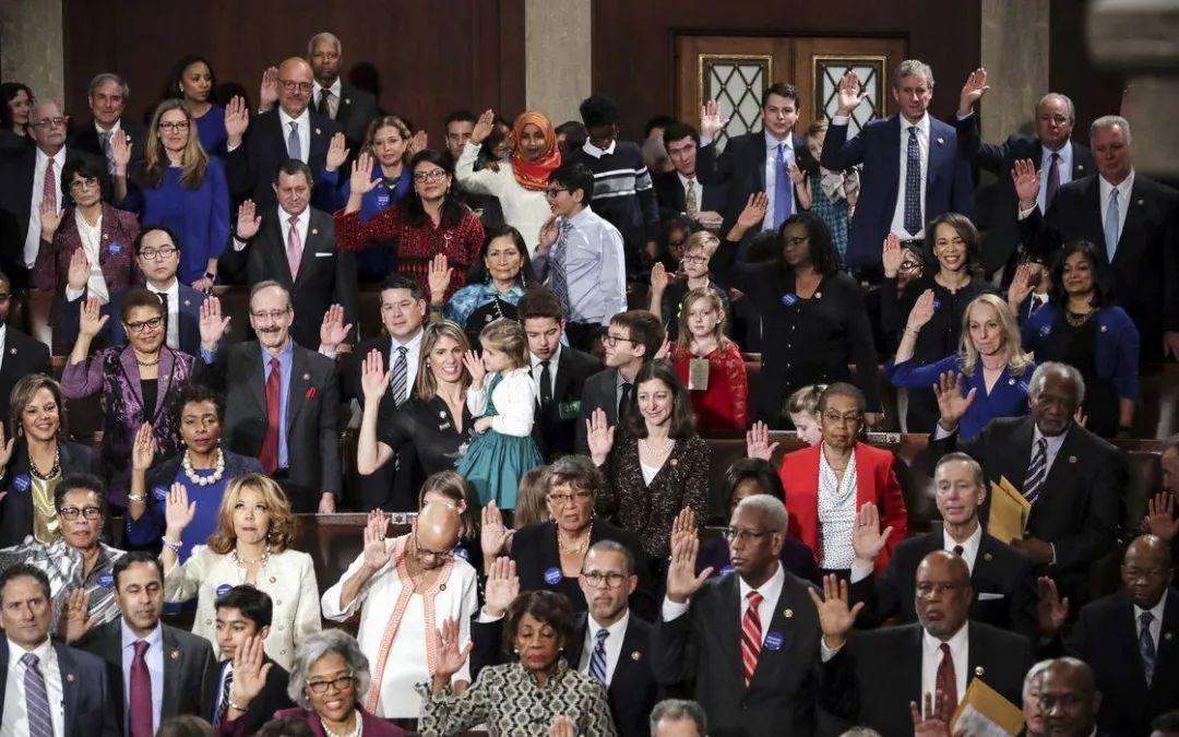他们迷信,他们偏执,他们爱烧人,但他们最终创立了美国