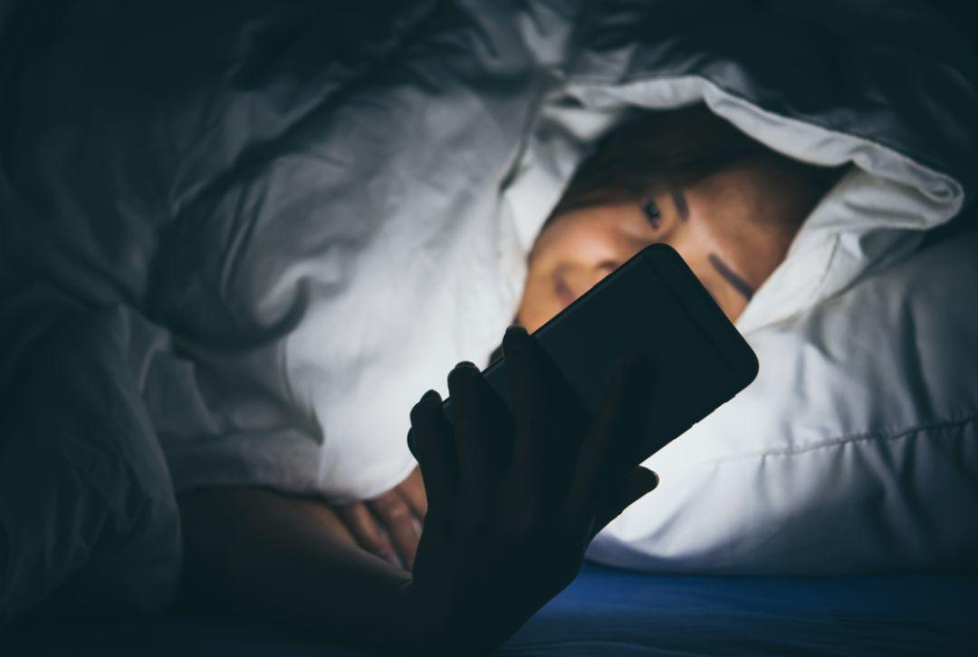 每一个用力熬夜的年轻人,都是真正认真生活的人